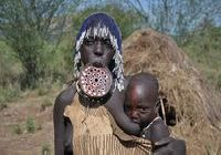 Mursi mother and child in southern Ethiopia